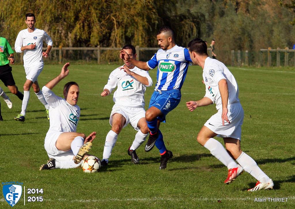 Sud lyonnais foot gf38 0 3 grenoble poursuit sa route en coupe de france gf38gf38 - Coupe a 10 euros grenoble ...